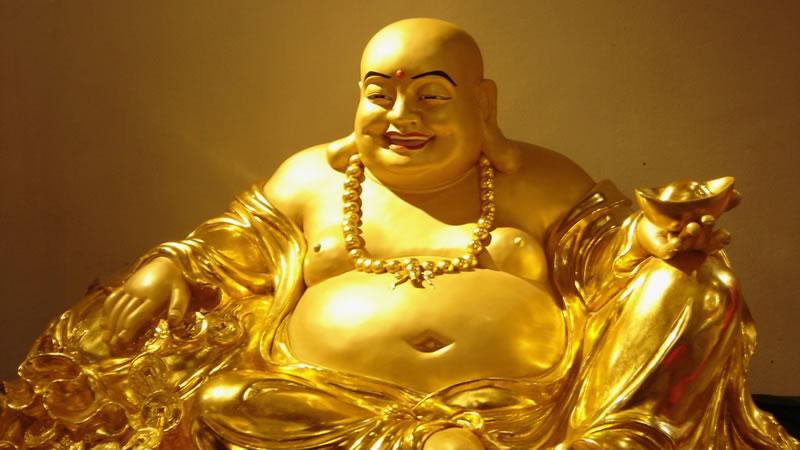 Gouden Boeddha lachend